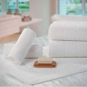 Toalha de Rosto Teka Madri Branca 48cm x 80cm 440g/m²