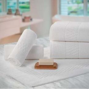 Kit para Hotel 5 Toalhas de Rosto + 5 Toalhas de Banho Brancas Madri -  440 g/m²