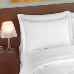 Fronha Teka Imperial Plus Branca 50cm x 70cm Com Abas 200 Fios
