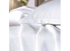 Kit com 10 Colchas Casal Teka Golden Profiline Branca para Hotel