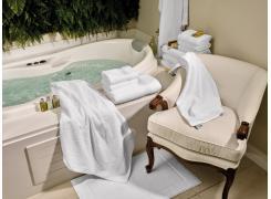 Toalha Banhão Teka Safira Branca para Hotel  670g/m²